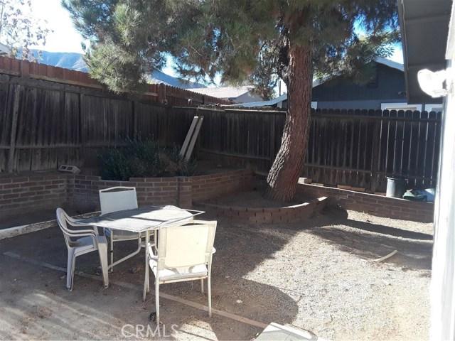 17617 Sutherland Avenue, Lake Elsinore CA: http://media.crmls.org/medias/41a17a46-6330-46d2-9d11-3f001b081049.jpg