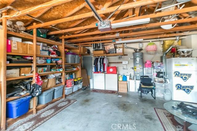 18114 Cummings Street, Fontana CA: http://media.crmls.org/medias/41cc4f0a-a49e-419a-9dcd-d5f3fd15fe29.jpg