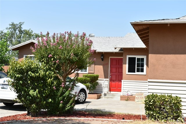 3208 Idaho Street, Bakersfield CA: http://media.crmls.org/medias/41d952b8-fbae-40aa-8caf-5a859bc052e8.jpg