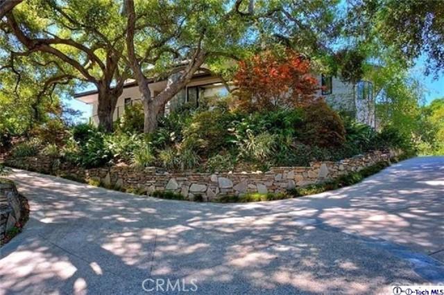 4245 Chula Senda Lane, La Canada Flintridge CA: http://media.crmls.org/medias/41db2b89-7589-4e00-bda8-7643298b3afb.jpg