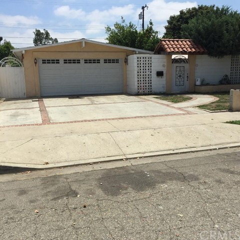 2130  West Romneya Drive   , CA 92801 is listed for sale as MLS Listing TR15152652