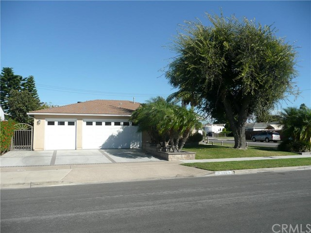 Single Family Home for Sale at 15322 Pacific St Midway City, California 92655 United States