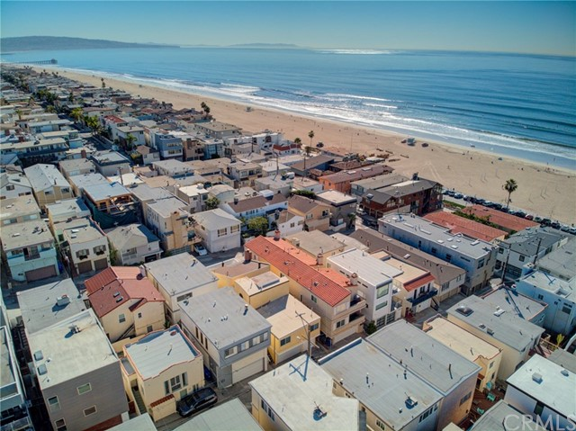 203 38th Street, Manhattan Beach CA: http://media.crmls.org/medias/4205c83f-7bf7-4cd6-9717-c4402dce1c43.jpg