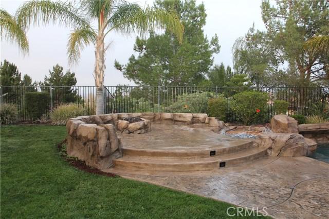 1481 Sunshine Circle, Corona CA: http://media.crmls.org/medias/420c38f1-54e3-4953-bdb0-6514dfd40248.jpg