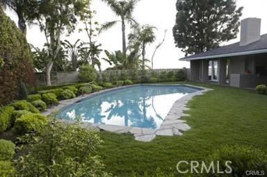 1265 Skyline Drive, Laguna Beach CA: http://media.crmls.org/medias/4214847d-969c-4708-8a59-e8626bcf21d7.jpg