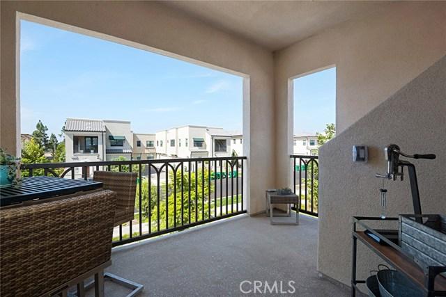 168 Follyhatch, Irvine CA: http://media.crmls.org/medias/4219a27d-38f8-49c7-943e-c1ca69fde92b.jpg
