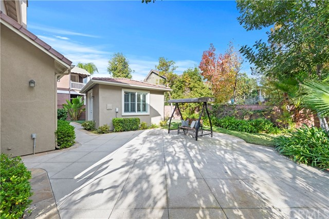 1 Flintridge Avenue, Ladera Ranch CA: http://media.crmls.org/medias/4219f222-d6eb-444a-baf0-e18ac0c5284c.jpg