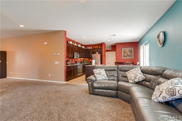 31991 Sugarbush Lane, Lake Elsinore CA: http://media.crmls.org/medias/4221d307-42ac-4206-a4f7-9e4b7ead516b.jpg