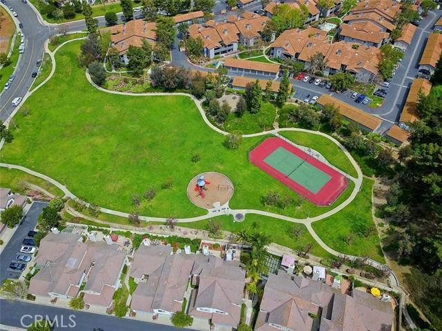 24572 Sutton Lane, Laguna Niguel CA: http://media.crmls.org/medias/4229acd5-46d6-46fd-a156-55a248e7d08e.jpg