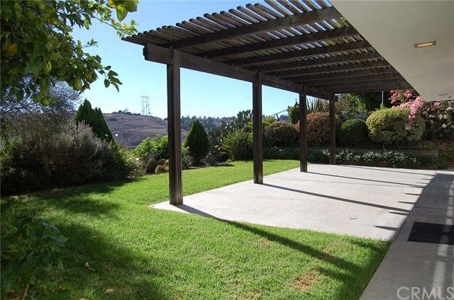 27721 Longhill Drive, Rancho Palos Verdes CA: http://media.crmls.org/medias/423ee74b-9748-4e38-895a-50aee3487925.jpg