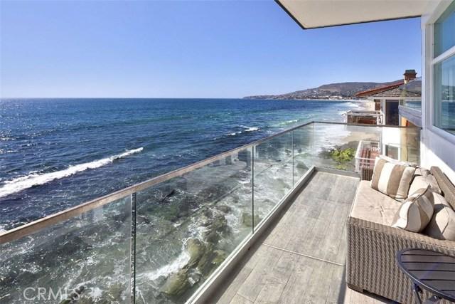 1241 Ocean Front, Laguna Beach CA: http://media.crmls.org/medias/424646d2-c61b-4f42-85af-3eead320d60f.jpg