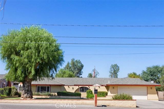 16275 Porter Avenue, Riverside CA: http://media.crmls.org/medias/424ac4e4-bac5-42f7-b1f9-f5aa1d5e964f.jpg