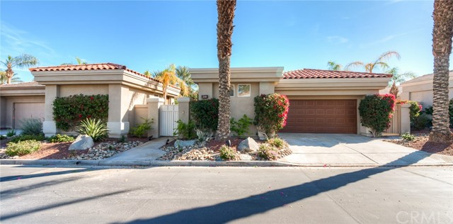 216 Eagle Dance Circle, Palm Desert CA 92211