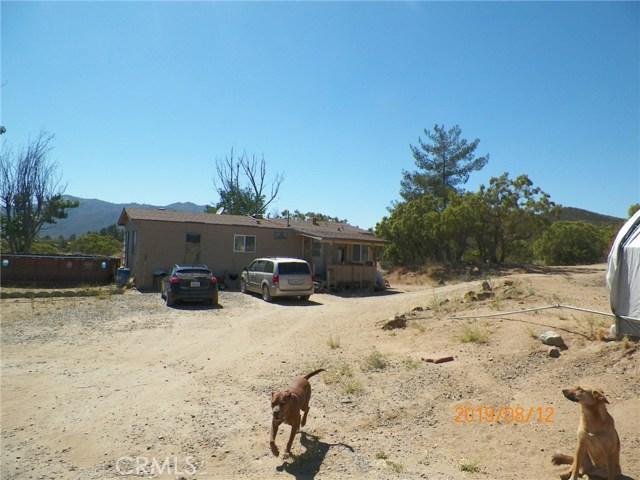 36770 Old Cary Road, Anza CA: http://media.crmls.org/medias/425aafa5-1bb0-446a-bfde-10681578dbe0.jpg