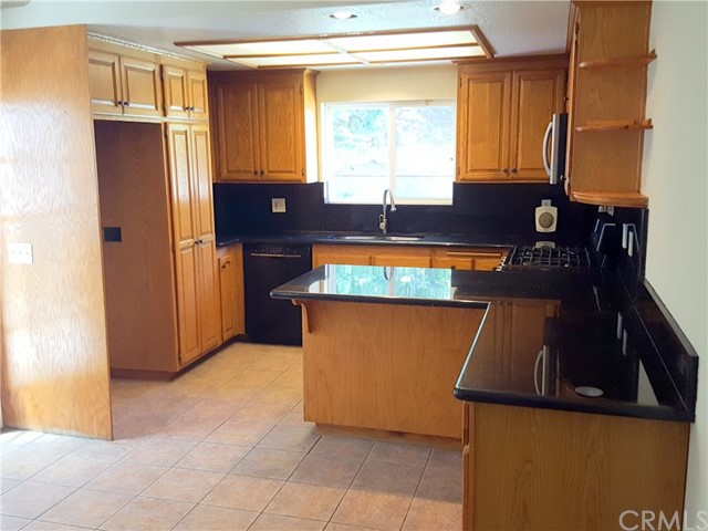 3352 Organdy Lane, Chino Hills CA: http://media.crmls.org/medias/425ada39-5233-4607-b56d-b4476c448373.jpg