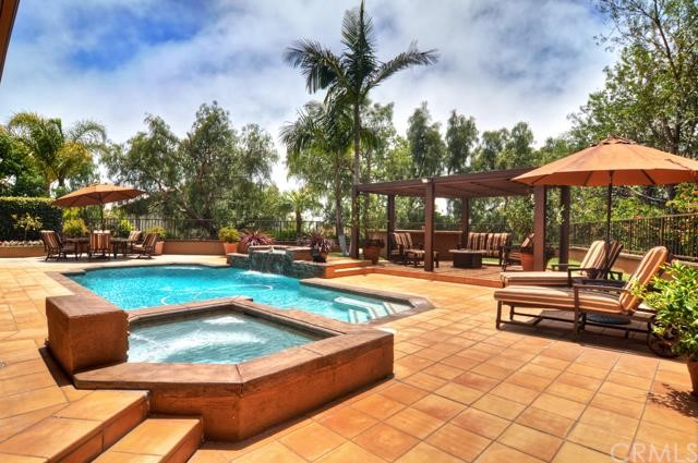 Single Family Home for Sale at 26 Pacific Crest St Laguna Niguel, California 92677 United States