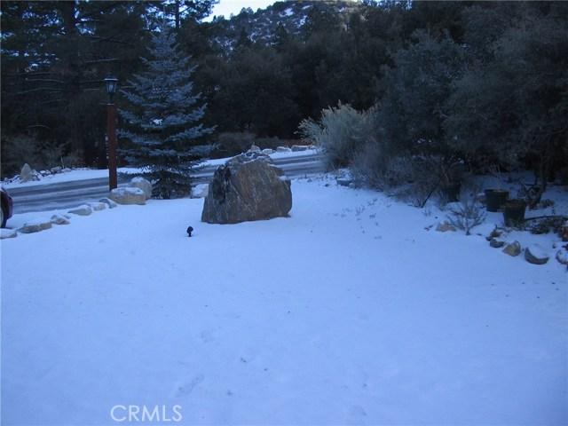1809 Linden Drive, Pine Mtn Club CA: http://media.crmls.org/medias/42631595-1ad1-40c0-8e8d-90975403623c.jpg