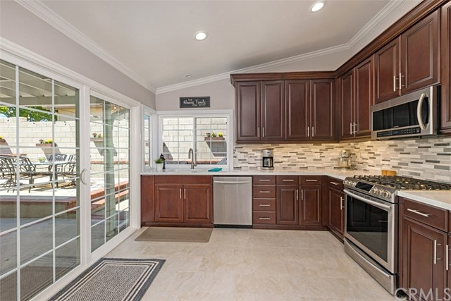 25672 Westover Circle, Lake Forest CA: http://media.crmls.org/medias/426b6c3f-62bf-4fca-9e1c-b3b82b9aecfa.jpg