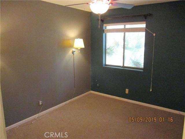 412 Tava Lane, Palm Desert CA: http://media.crmls.org/medias/426cc711-595c-4207-a4d7-beae87e62acd.jpg