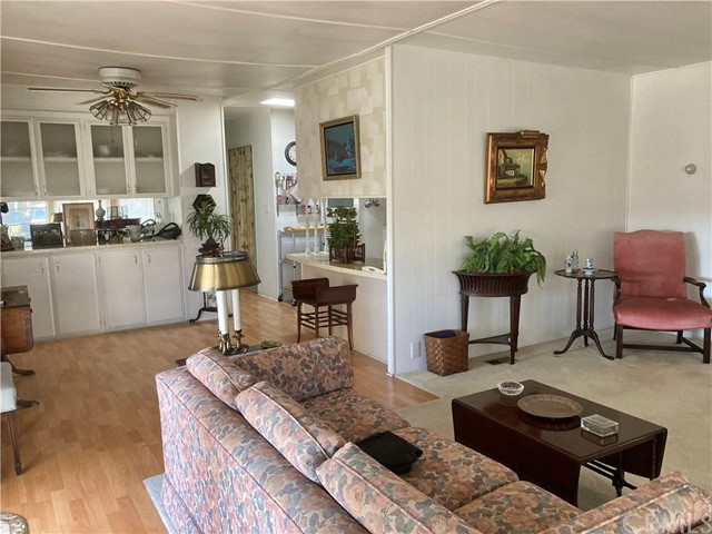 305 N Jade Cove, Long Beach CA: http://media.crmls.org/medias/426f26a5-e585-4c17-ad61-4a79d25441b8.jpg