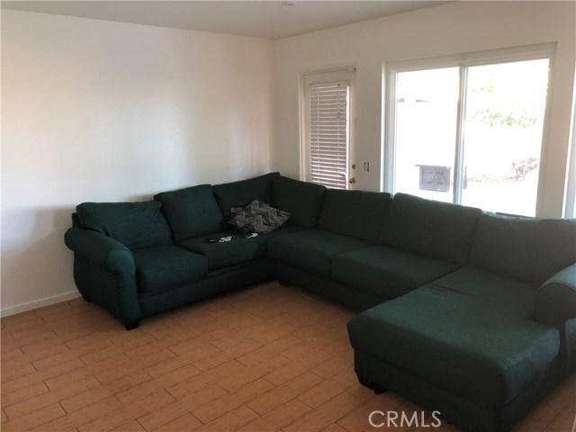 3669 N Live Oak Avenue, Rialto CA: http://media.crmls.org/medias/427a4af8-58f0-4601-a26e-8cd0d6fdd128.jpg
