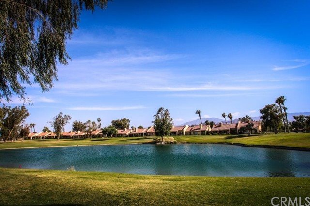 77208 Pauma Valley Way, Palm Desert CA: http://media.crmls.org/medias/42958aee-08d3-4c95-bac3-e4126d6b92f5.jpg