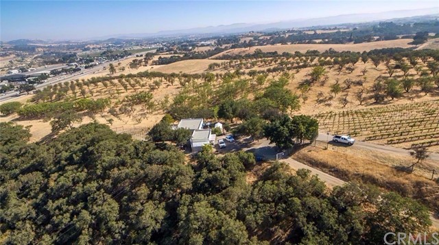 1085 Ambush Trail, Paso Robles, CA 93446