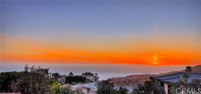 Single Family Home for Sale at 1370 Skyline Drive Laguna Beach, California 92651 United States