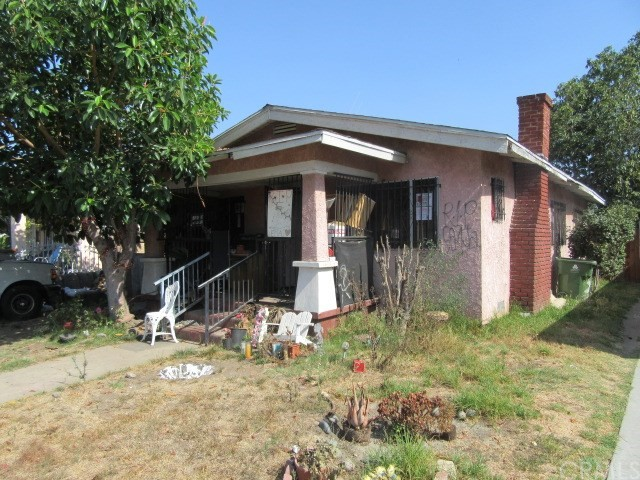 827 W 62nd Place , CA 90044 is listed for sale as MLS Listing PW17188828