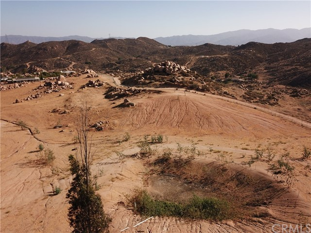 25050 El Toro Road, Perris CA: http://media.crmls.org/medias/42ba40f0-27ae-4e08-9200-3dbcaedd6c85.jpg