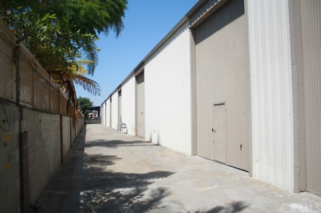 Industrial for Sale at 8831 Cedar Avenue Bellflower, California 90706 United States