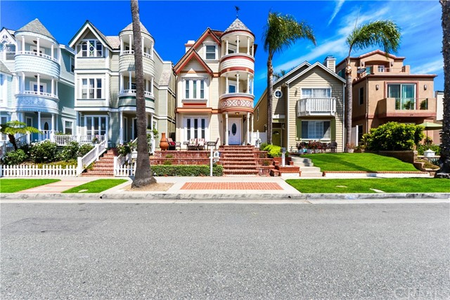 315 21st Street, Huntington Beach CA: http://media.crmls.org/medias/42ccae92-1a01-4c64-8ccd-2cf70bb4ef0e.jpg