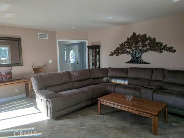 632 E Raborn Street, San Dimas CA: http://media.crmls.org/medias/42d0918c-5f33-4d09-9eec-1c83f3ac19bd.jpg