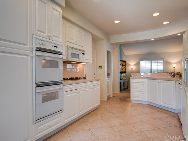 21246 MAZATLAN, MISSION VIEJO, CA 92692  Photo 5