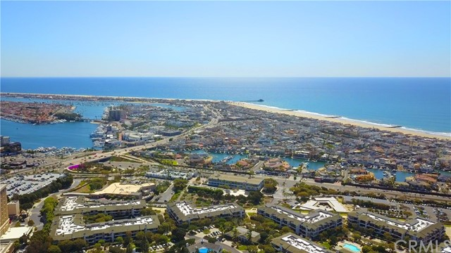 260 Cagney Lane, Newport Beach, California 92663, 1 Bedroom Bedrooms, ,1 BathroomBathrooms,Residential Purchase,For Sale,Cagney,NP21096057