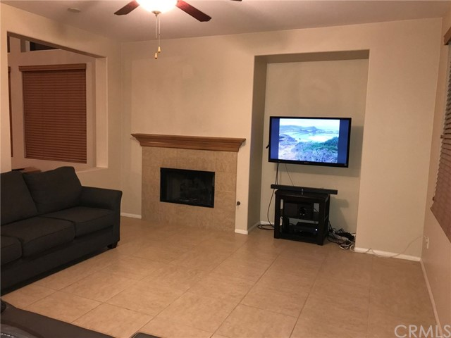 36708 Torrey Pines Drive, Beaumont CA: http://media.crmls.org/medias/42ef6488-e459-48da-a044-567b40ed5b7f.jpg