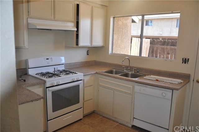 7433 Napa Court, Rancho Cucamonga CA: http://media.crmls.org/medias/4312c5cb-42b6-4b9a-a53e-241022451513.jpg