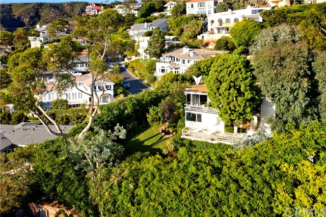 1639 Eleanor Lane, Laguna Beach CA: http://media.crmls.org/medias/43169e0a-594e-4d48-a40c-5c9b2f168feb.jpg