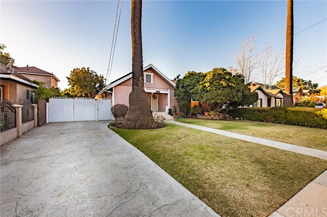 1977 N Marengo Avenue Pasadena, CA 91103 is listed for sale as MLS Listing CV16763711