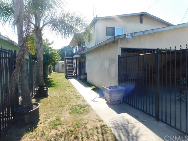 1205 N Tamarind Av, Compton, CA 90222 Photo