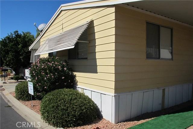 5001 W Florida Avenue, Hemet CA: http://media.crmls.org/medias/433516e2-e2c6-43f3-9b2f-f9c2d650de64.jpg