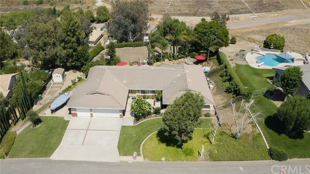 1781 Bel Air Street, Corona CA: http://media.crmls.org/medias/43398acd-6351-4b49-9554-6e7ac70a8e29.jpg