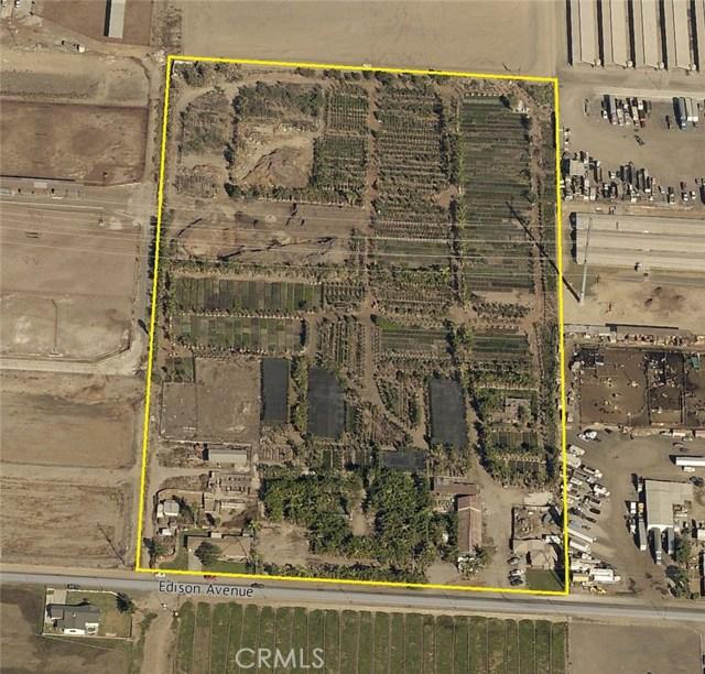 土地 为 销售 在 7914 Edison Avenue 安大略, 91762 美国