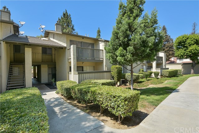 2310 S Diamond Bar Boulevard, Diamond Bar CA: http://media.crmls.org/medias/4340bb36-f58c-406b-9dec-f9f15b94376d.jpg