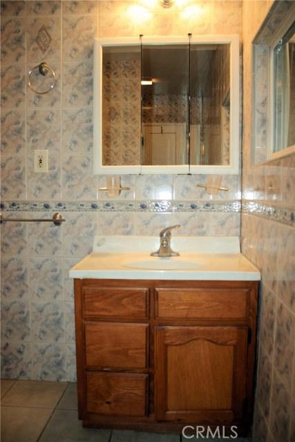15808 Victoria Avenue, La Puente CA: http://media.crmls.org/medias/4355b8da-d906-4816-8397-754fe3b9811e.jpg