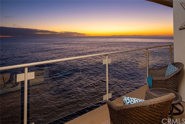 Detail Gallery Image 1 of 40 For 31561 Table Rock Dr #304,  Laguna Beach,  CA 92651 - 2 Beds | 2 Baths
