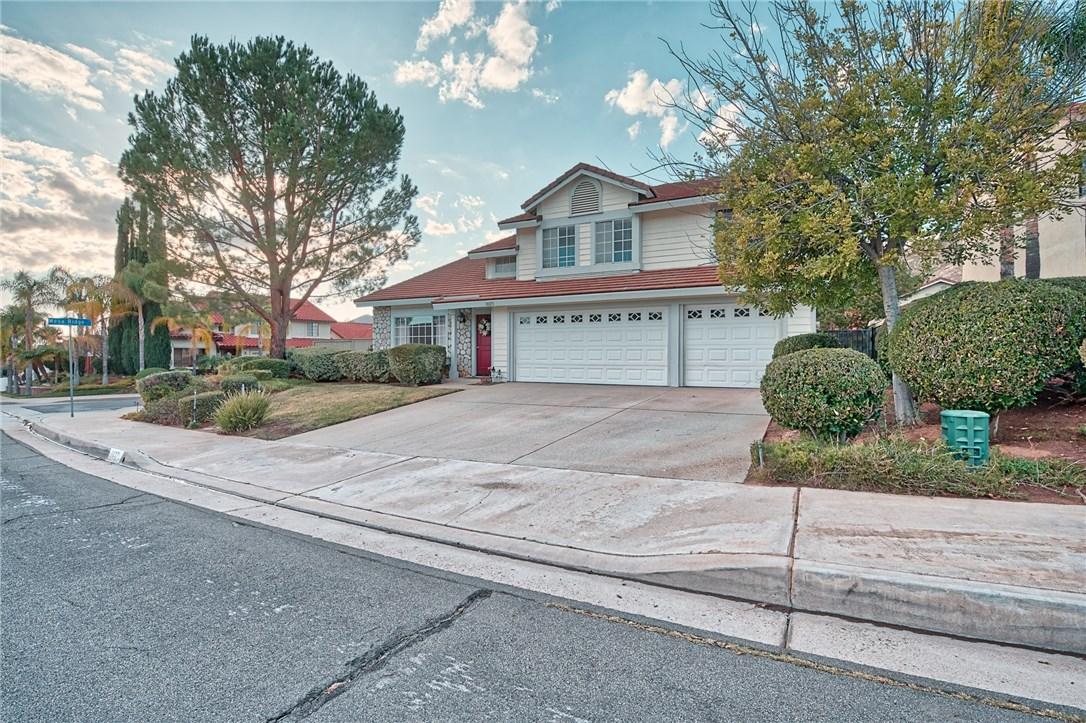 10271 Canyon Vista Road, Moreno Valley CA: http://media.crmls.org/medias/4355f254-6907-4a3e-975c-25e6b9c7a589.jpg