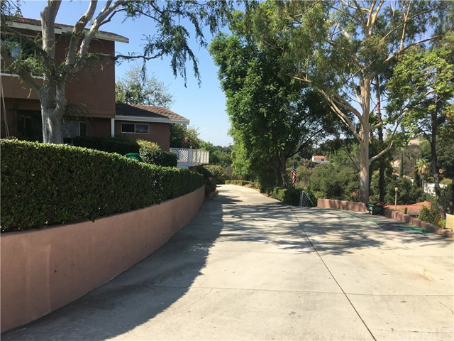 Single Family Home for Sale at 1114 Oak Knoll Road Pomona, 91768 United States
