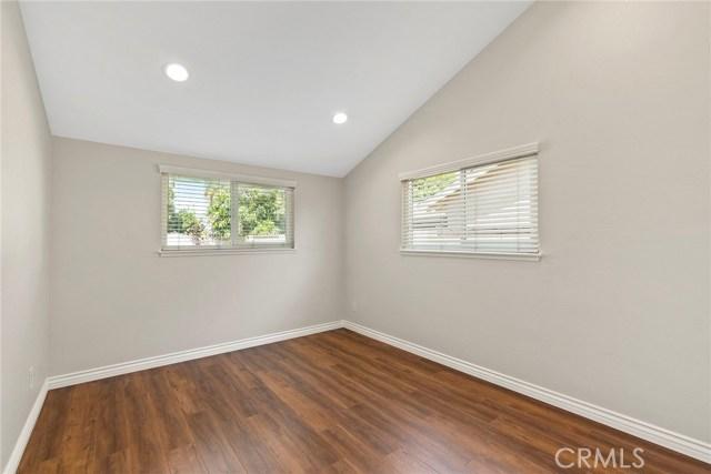 2483 W Harriet Lane, Anaheim CA: http://media.crmls.org/medias/439b8bb1-b6b4-4649-a60e-dc6a6ec7a1bc.jpg