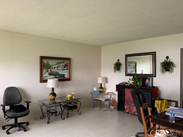 1279 Beaumont Avenue, Beaumont CA: http://media.crmls.org/medias/43ac982a-69c2-4a11-9c74-04c17937da2c.jpg